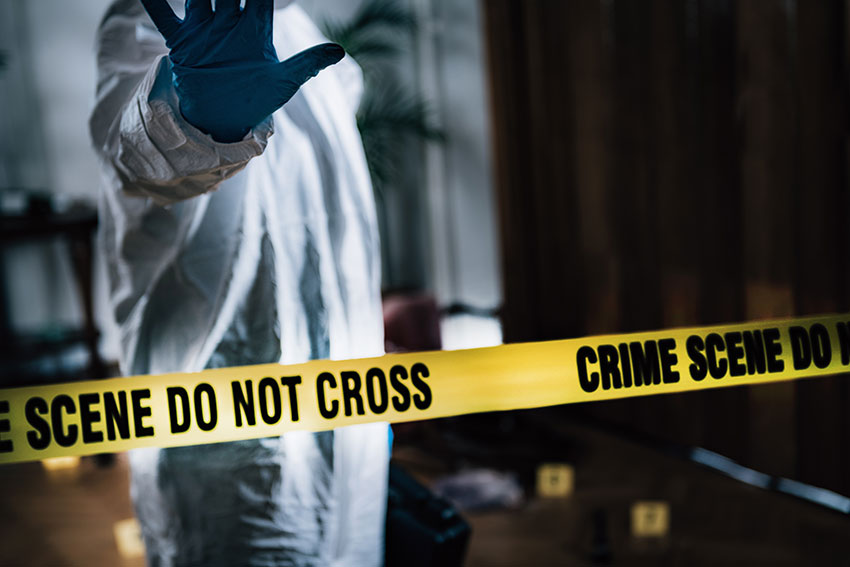 forensics-collecting-clues-from-the-crime-scene-6MLNUZ7